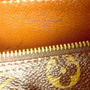 Louis Vuitton Papillon 26 Barrel monogram
